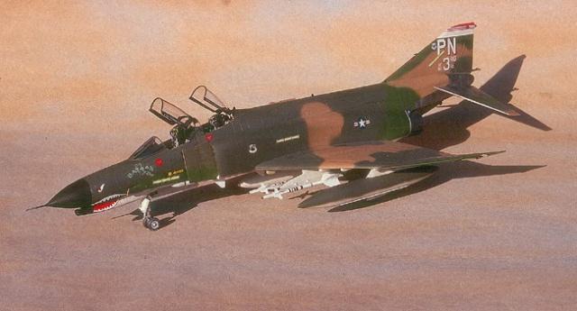 Hasegawa F-4E - 1/48 Scale
